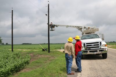 Fiber contruction in new areas of Geronimo, Hickory Forest and New Berlin.